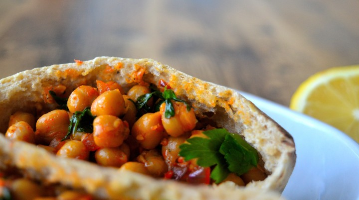 Chickpea pita close
