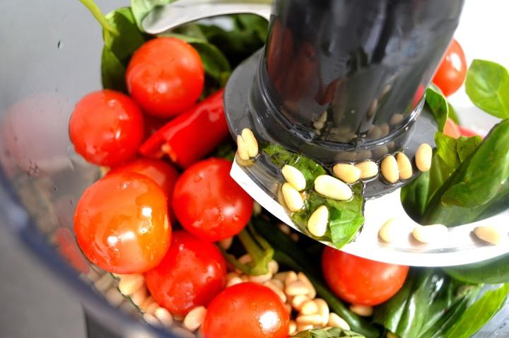 Pesto processor