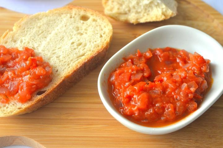 Tomato Relish Close